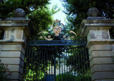 Les armoiries des Gras-Préville et des Montpezat